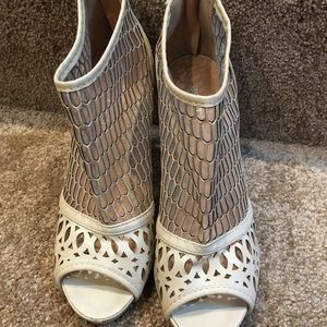 Shoes - New cream booties size 7